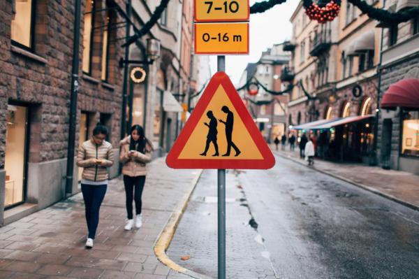 news-smartfony-znak_drogowy-1