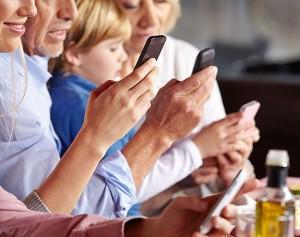 img-phone-people-4-300x200 Internet w telefonie, z czym to się je?