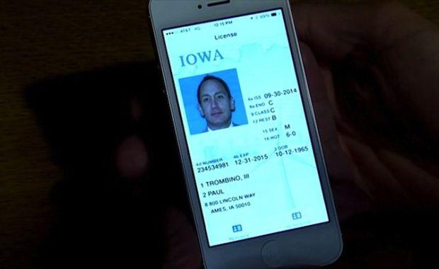news-iowa-prawojazdy-iphone Prawo jazdy w smartfonie? To wcale nie tak odległa rzeczywistość