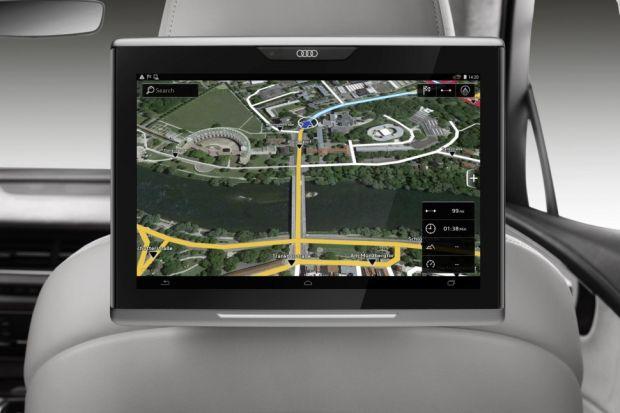 news-audi-tablet Nowe Audi Q7 zintegruje tablet dla pasażerów z systemem samochodowym