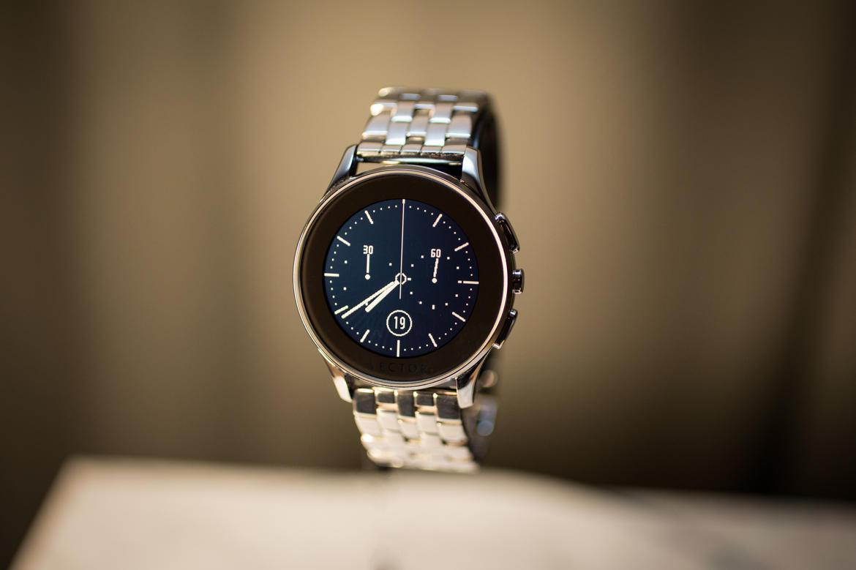 news-vector-smartwatch-3