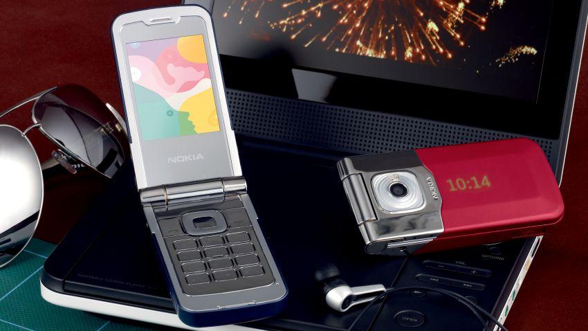 Photo of Test Nokia 7510 Supernova