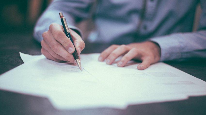 Photo of Podpisanie nowej umowy – od wyboru operatora do złożenia podpisu