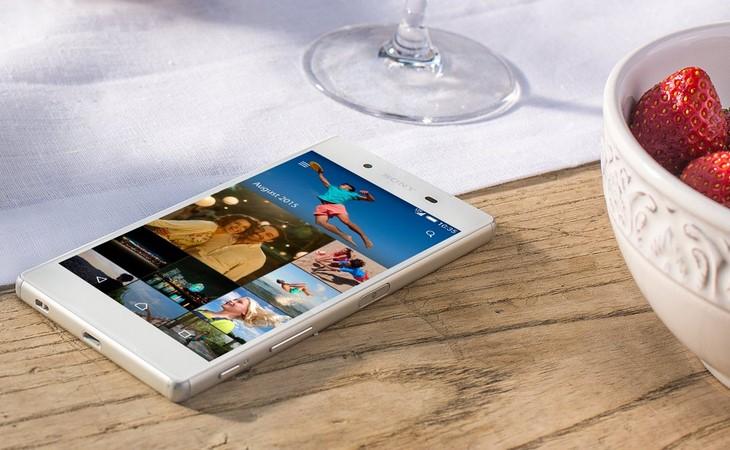news-sony-xperia-z5-1 Sony oficjalnie pokazało flagowe Xperie Z5 i Z5 Compact oraz pierwszy na świecie smartfon z ekranem 4K - Xperię Z5 Premium