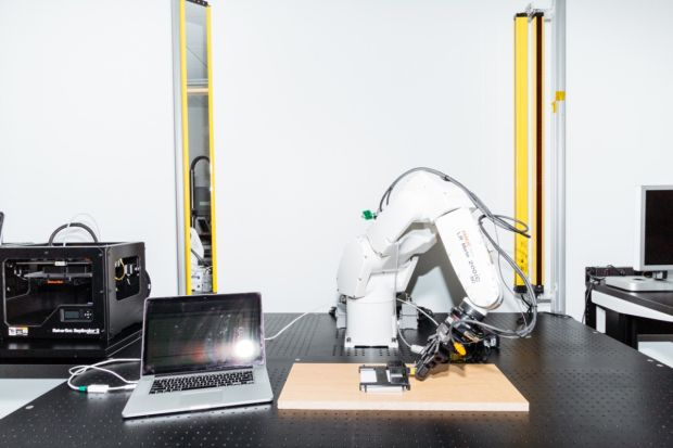 news-input_design_lab-apple-2 Input Design Lab - za kulisami tajemniczego laboratorium testowego Apple
