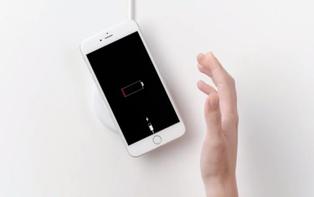 news-iphone-bezprzewodowe-ladowanie-1