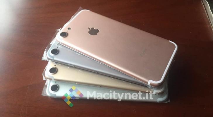 news-iphone7-2 iPhone 7 w czterech kolorach na zdjęciu