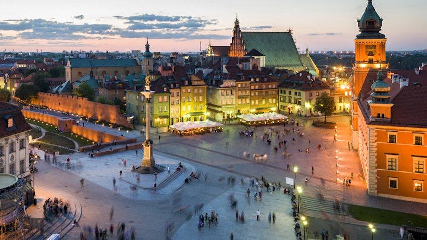 Photo of Warszawa zachęca do poznawania miasta z pomocą aplikacji mobilnych