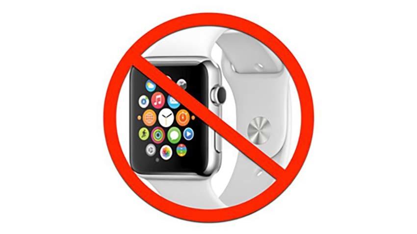 Uczelnie zabraniają używania smartwatchy w obawie przed oszukiwaniem na egzaminach