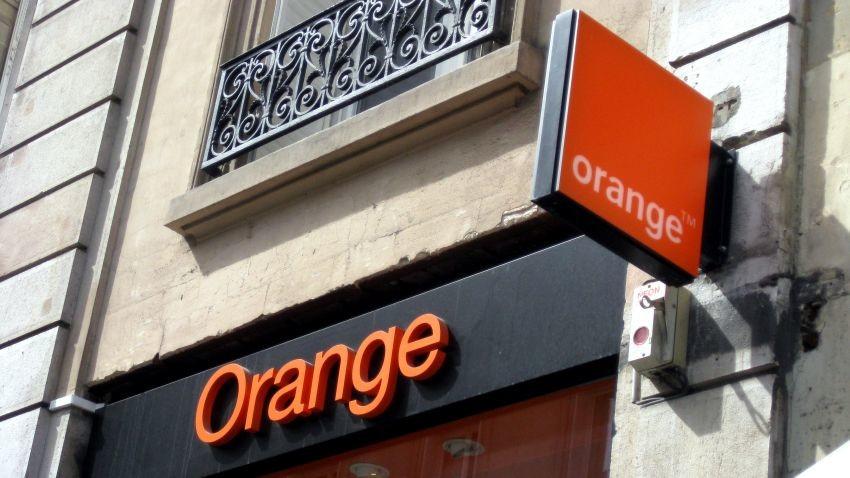 Orange Polska kończy licytację jednego bloku pasma częstotliwości 2600 MHz