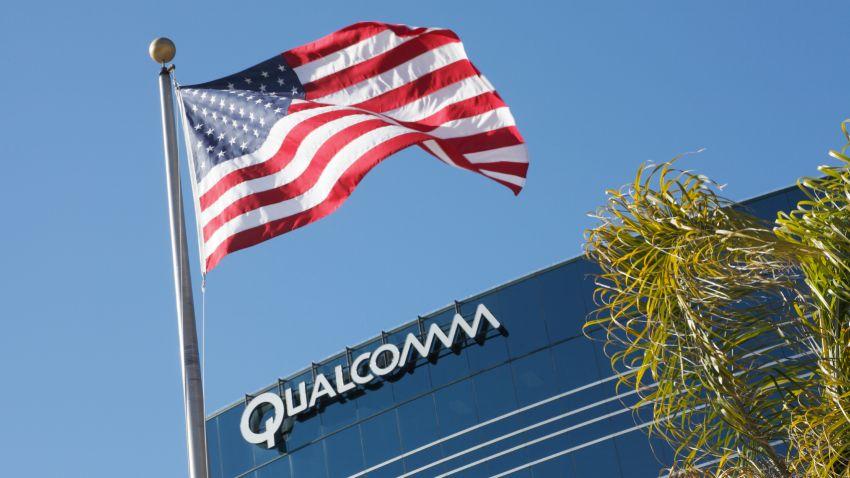 Photo of Kolejne problemy Qualcomma – firma rewiduje swoje prognozy finansowe