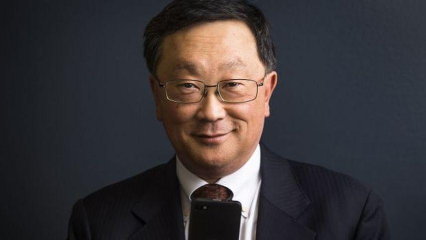 Photo of John Chen o sytuacji Blackberry i potrzebie produkowania telefonów