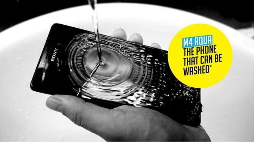 Brudny smartfon? Umyj go - zaleca Sony w nowej akcji promującej Xperie M4 Aqua