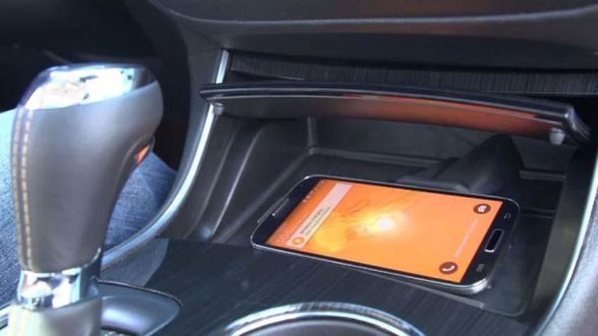Koniec z przegrzewaniem się smartfonów w samochodzie. Wszystko dzięki rozwiązaniu Chevroleta