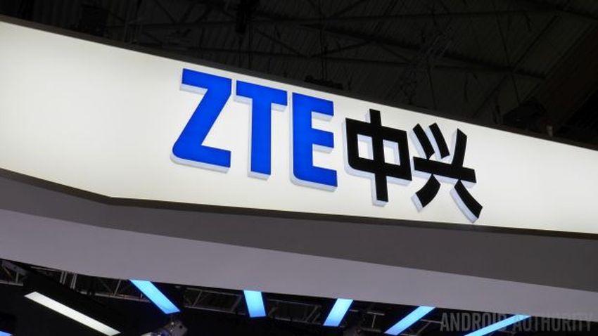 Photo of W bazie Geekbench opublikowano specyfikację składanego smartfona ZTE Axon M