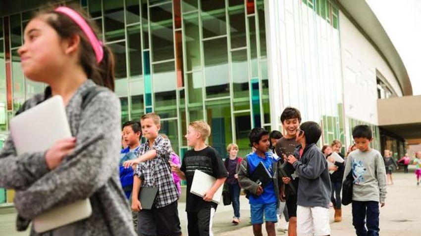 Intel: Edukacja i kontrola rodzicielska kluczem do bezpieczeństwa dzieci w sieci