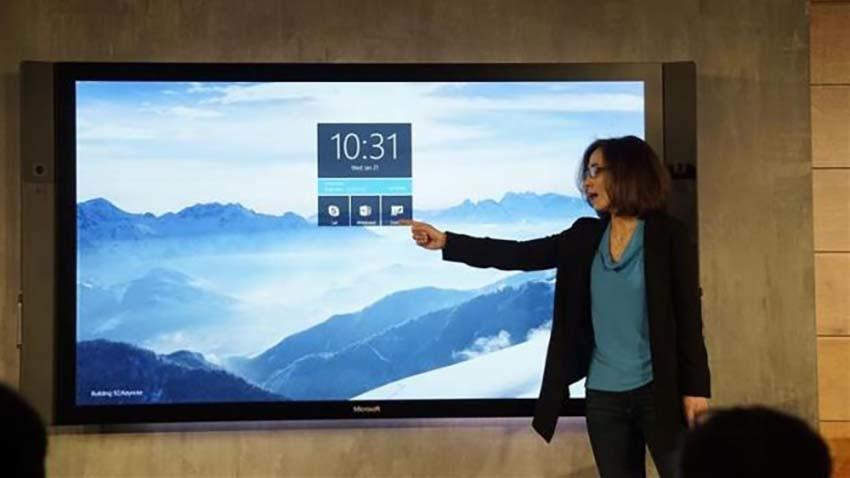 Microsoft przekłada premierę Surface Hub