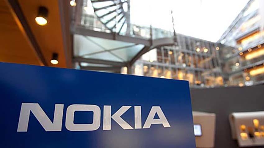 Nokia wraca do smartfonów i poszukuje partnera do ich produkcji