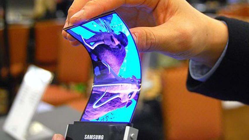 Pierwszych zwijanych smartfonów Samsunga możemy spodziewać się w przyszłym roku