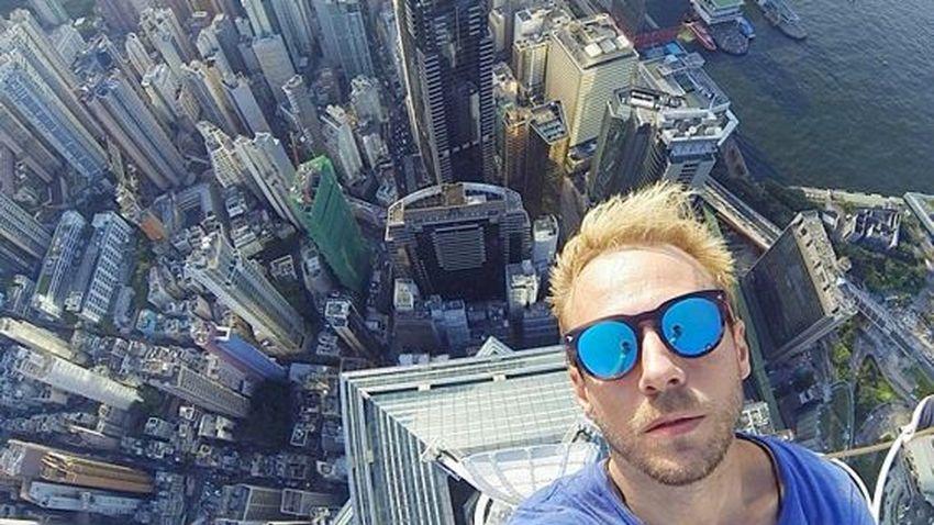 Zdjęcia selfie przyczyną śmierci kilkunastu osób w 2015 roku