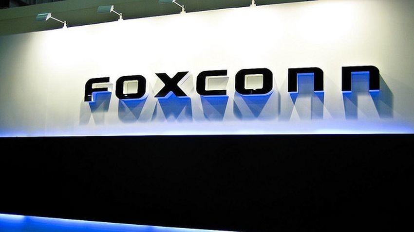 Foxconn zainteresowany kupnem działu wyświetlaczy Sharpa