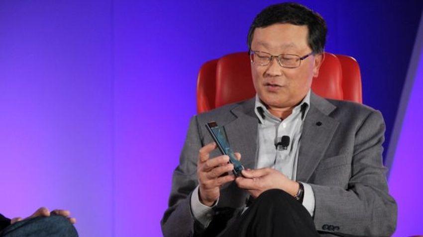 John Chen: BlackBerry może zrezygnować z produkcji urządzeń