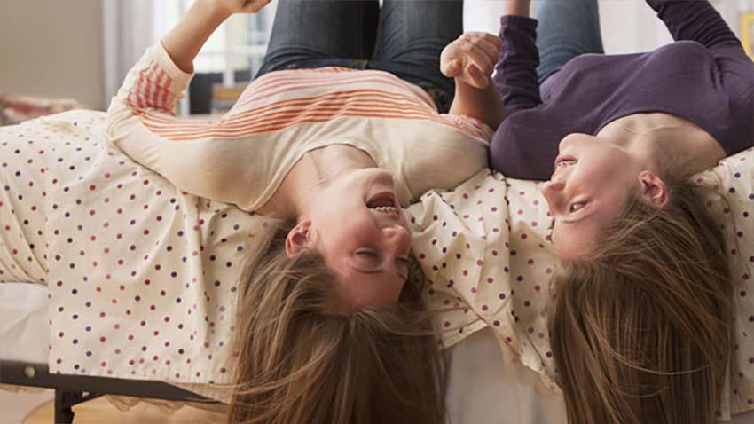 Photo of Dzieci nieuważnie obchodzą się z urządzeniami mobilnymi