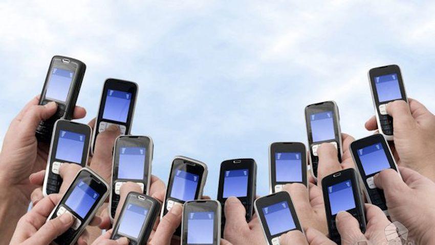Photo of Polacy coraz bardziej mobilni. Przybywa internautów