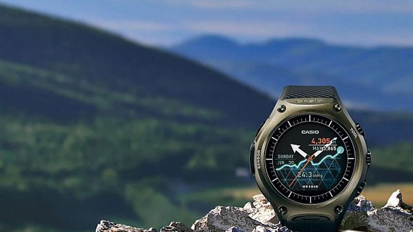 Casio WSD-F10 Smart Outdoor Watch - smartwatch do zadań specjalnych