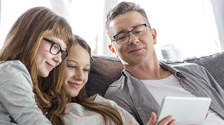 Photo of T-Mobile podpowiada jak odpowiedzialnie korzystać z Internetu i edukować najmłodszych