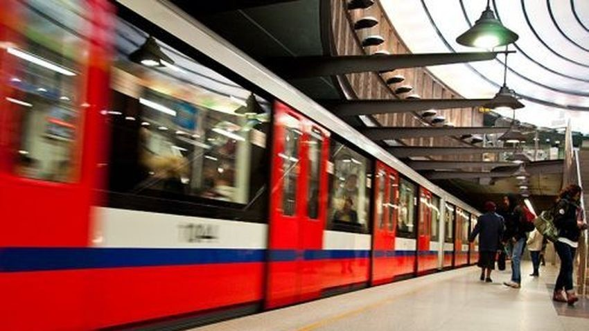 Orange i T-Mobile uruchamiają zasięg w warszawskim metrze