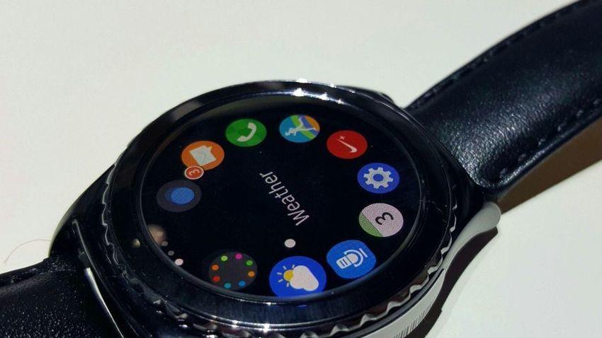 Samsung Gear S2 Classic 3G ze wsparciem dla standardu e-SIM
