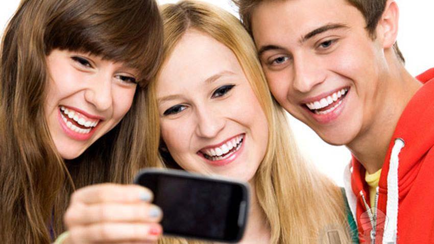 Photo of Rozkwit smartfonowego pokolenia – ponad 90% gimnazjalistów z dostępem do telefonu