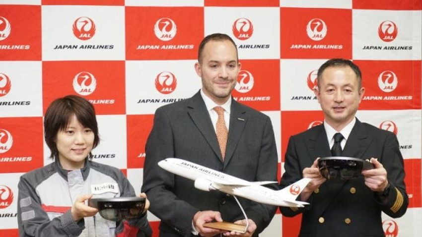 Japan Airline wyszkoli pracowników przy pomocy Hololens
