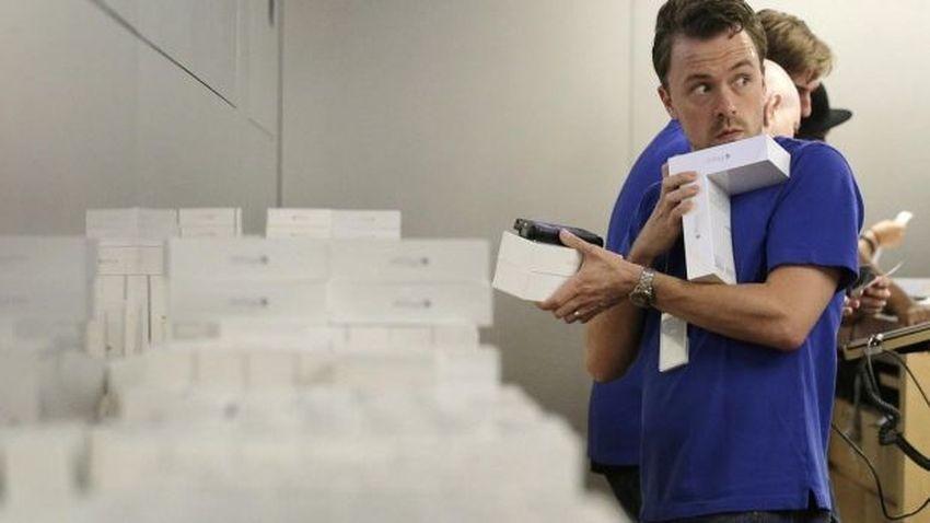 Złodzieje przebrani za pracowników Apple wykradają iPhone'y