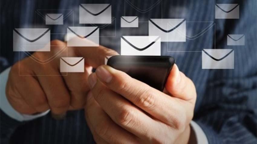 Wysyłamy coraz więcej MMS-ów i SMS-ów w roamingu