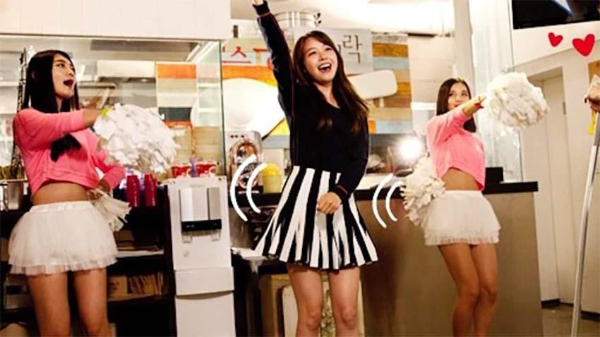 Photo of Samsung nakręci serial komediowy o… Samsungu