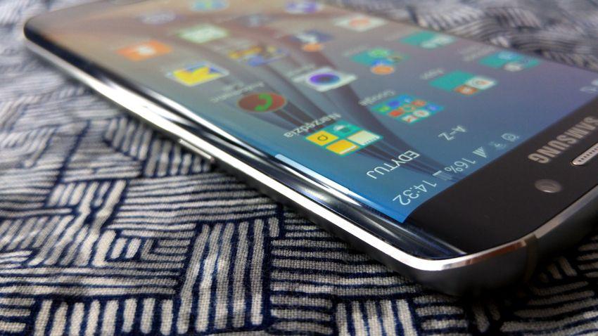 Photo of Flagowce Samsunga wyłącznie z zakrzywionymi ekranami? Jest na to szansa
