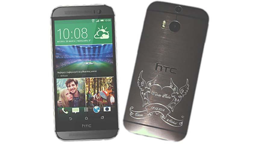 HTC z tatuażem