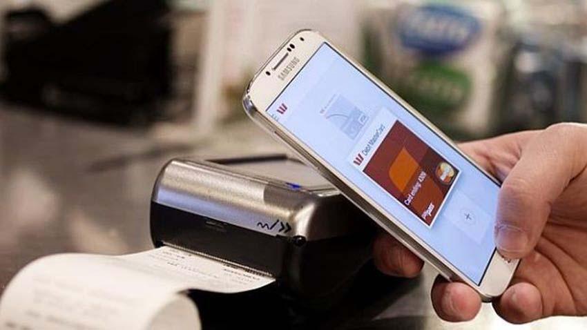 Photo of Polacy coraz częściej płacą smartfonami