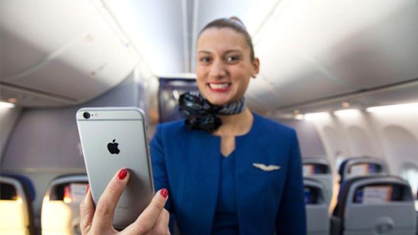 Photo of Apple w przestworzach, czyli iPhone 6 Plus w rękach pracowników United Airlines