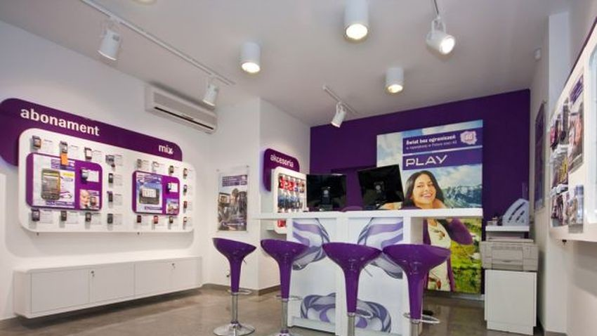 Operatorzy coraz chętniej przenoszą sprzedaż usług do Internetu