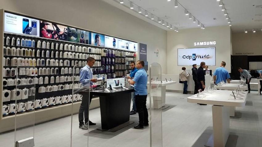 Photo of Samsung otwiera Brand Store w Porcie Łódź