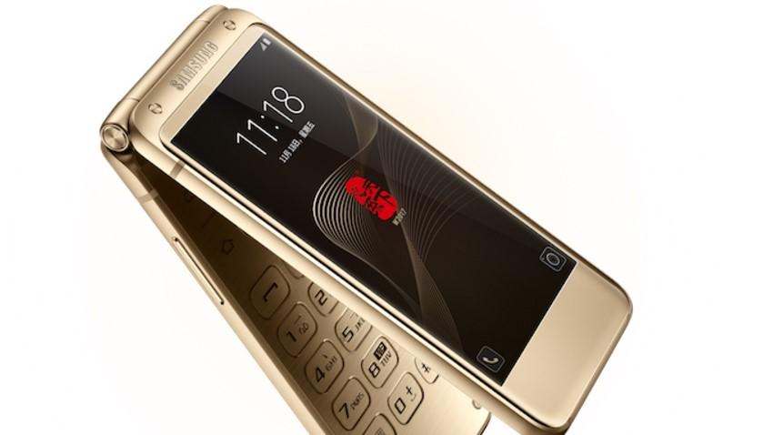 """Photo of Samsung W2017 – stylowa """"klapka"""" z topowymi podzespołami"""