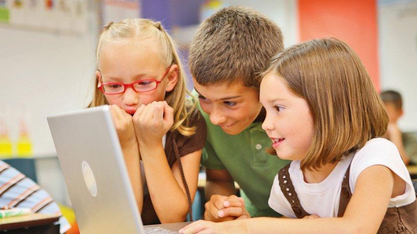 Photo of Ogólnopolska Sieć Edukacyjna – szybki Internet dla szkół