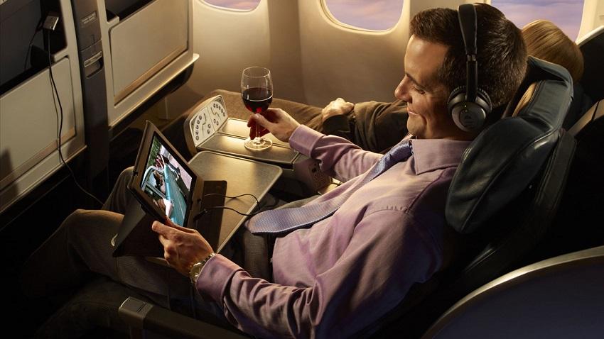 Photo of Zakaz wnoszenia tabletów do brytyjskich samolotów ma związek z terroryzmem