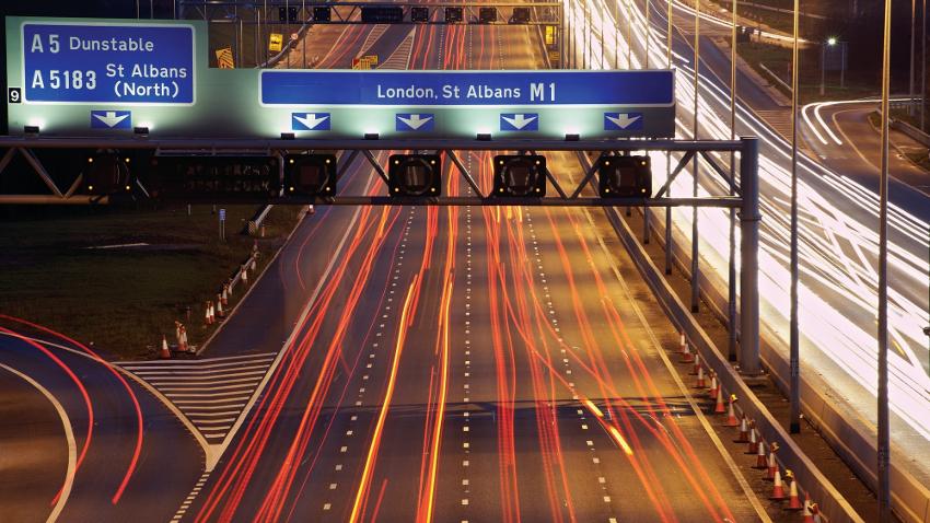 Photo of Autonomiczne auta trafią na brytyjskie autostrady w 2019