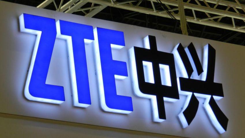 Photo of ZTE zamierza zaprezentować smartfona z rozkładanym ekranem