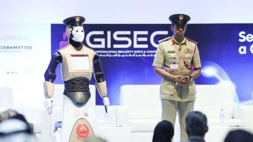 Photo of Pierwszy robot zasilił szeregi policji w Dubaju