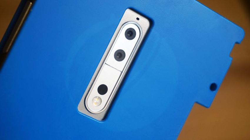 Photo of Nokia 9 sfotografowana w ochronnym etui, znamy już specyfikację